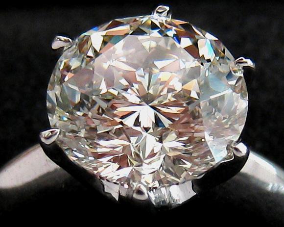 Gabrielle round diamond engagement ring